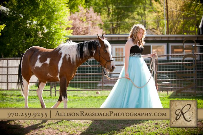 Durango Senior Pictures With Horses