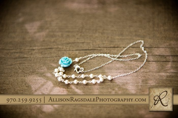necklace in wedding color pic