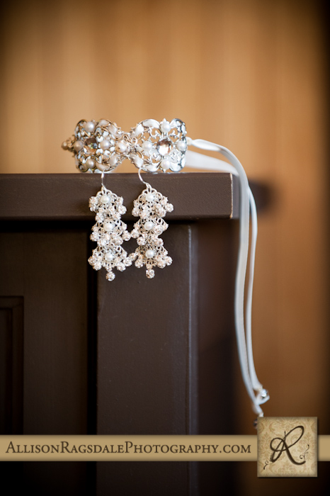 brides jewelery for a durango wedding