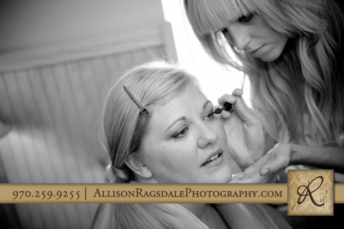 bride getting ready at bridal cabin at sleeping beauty ranch