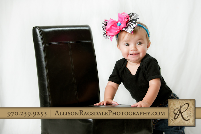 big pink bow on baby girl picture
