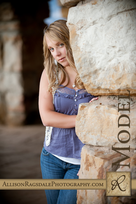 senior girl picture at lion's den at fort lewis college