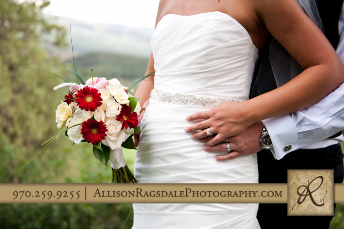 wildwoods bridal bouquet and wedding rings picture