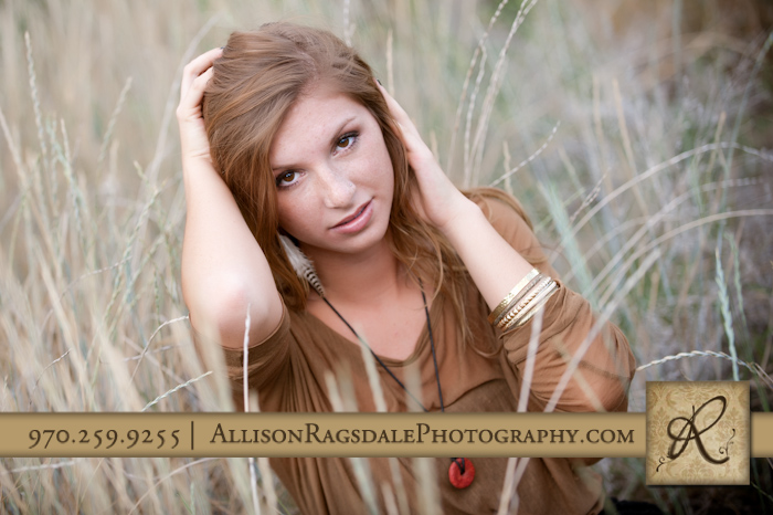 senior girl photo in long grass picture in durango
