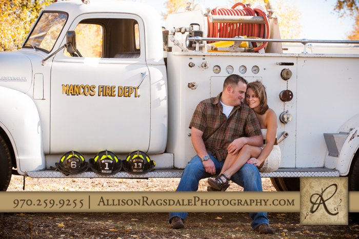 durango engagement photographer in mancos co on vintage fire truck