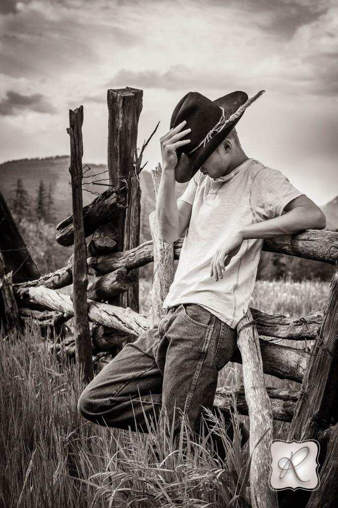 Cowboy Senior pictures Bayfield Colorado