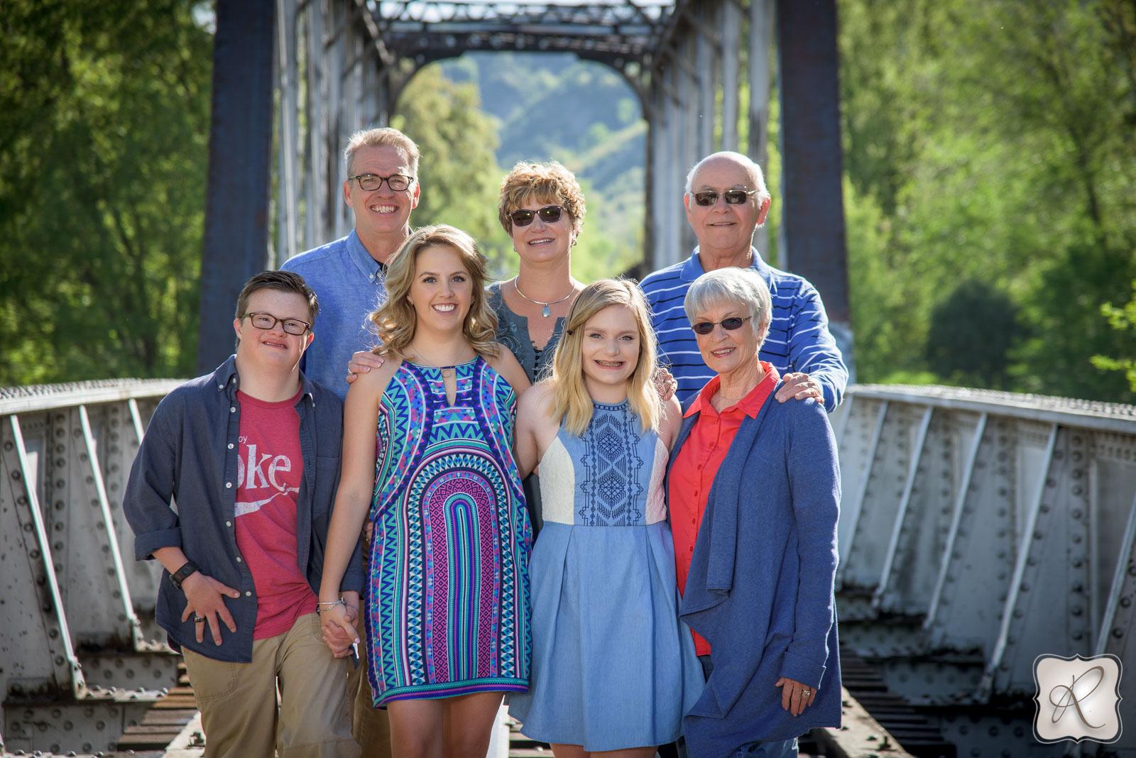 Matthew family pictures Durango Colorado - bridge
