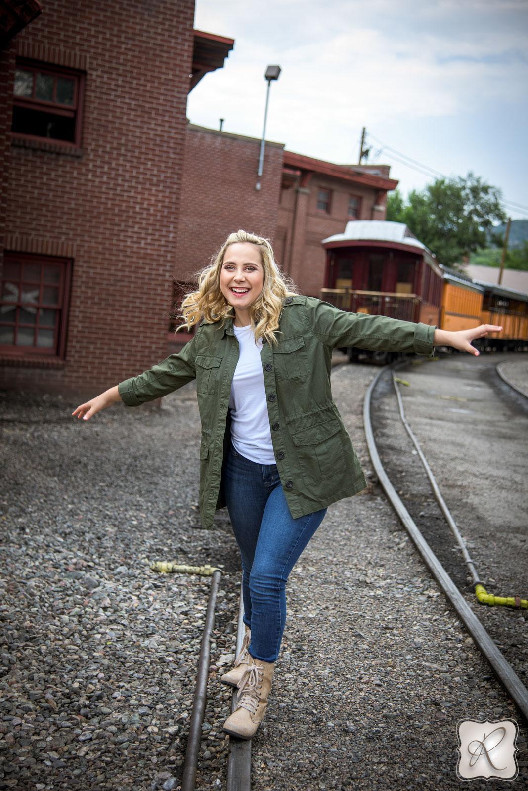 cute senior pictures Allison Ragsdale in Durango Colorado