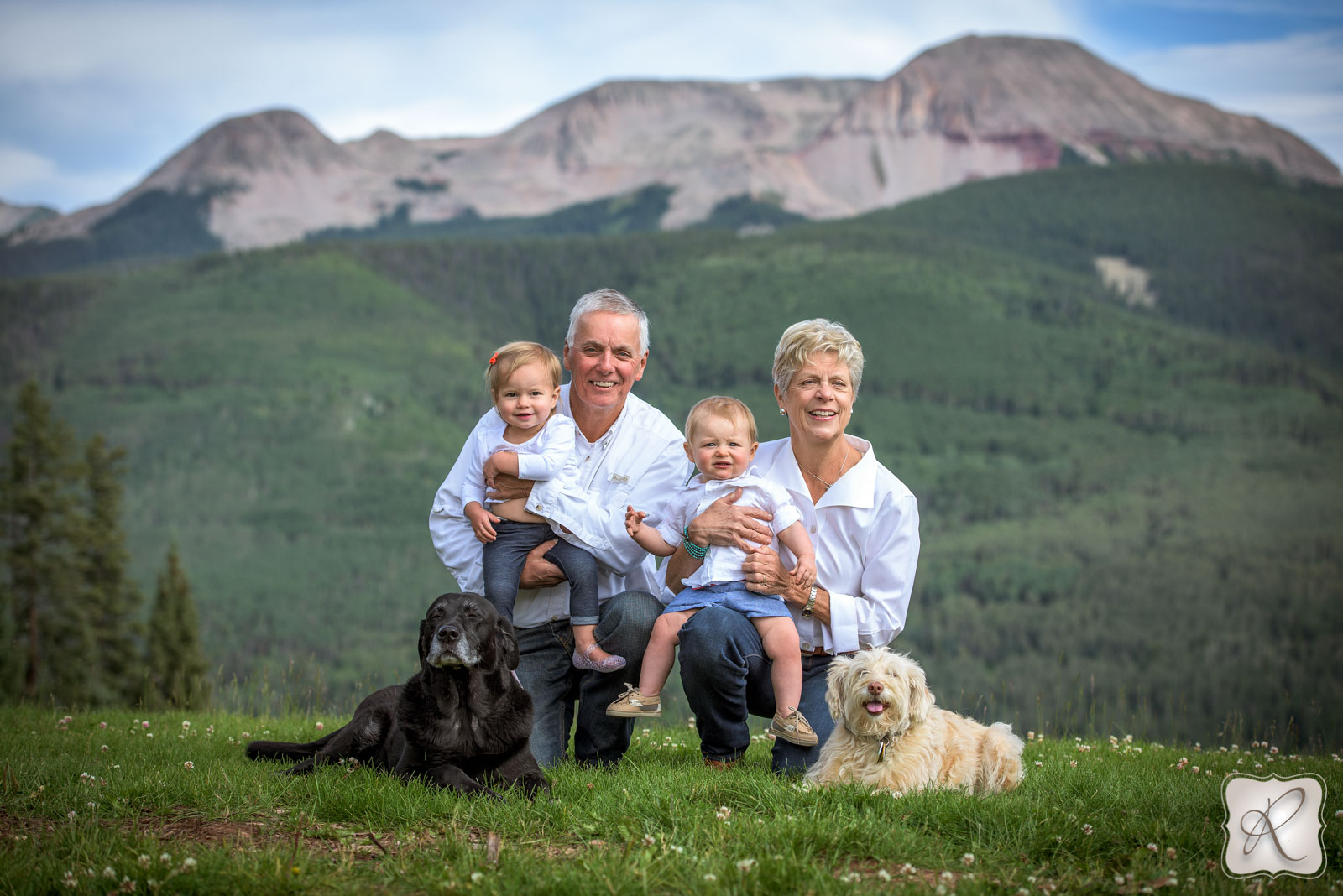 Family Portraits in the Mountains of Durango Colorado Photographed by Professional Photographer Allison Ragsdale Photography