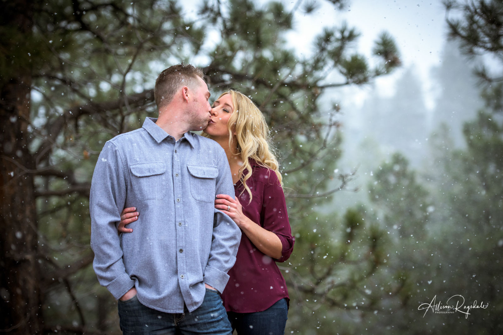 Snowy Winter Engagement Pictures