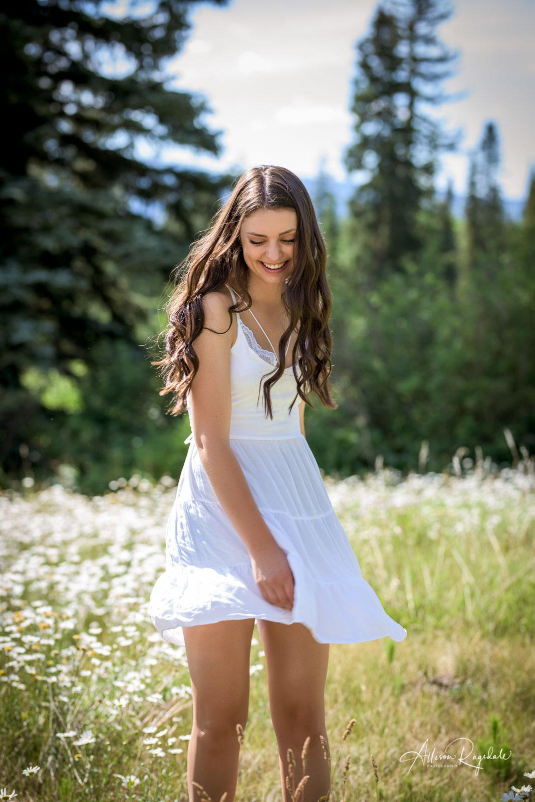 outdoor field senior pictures in Durango Colorado