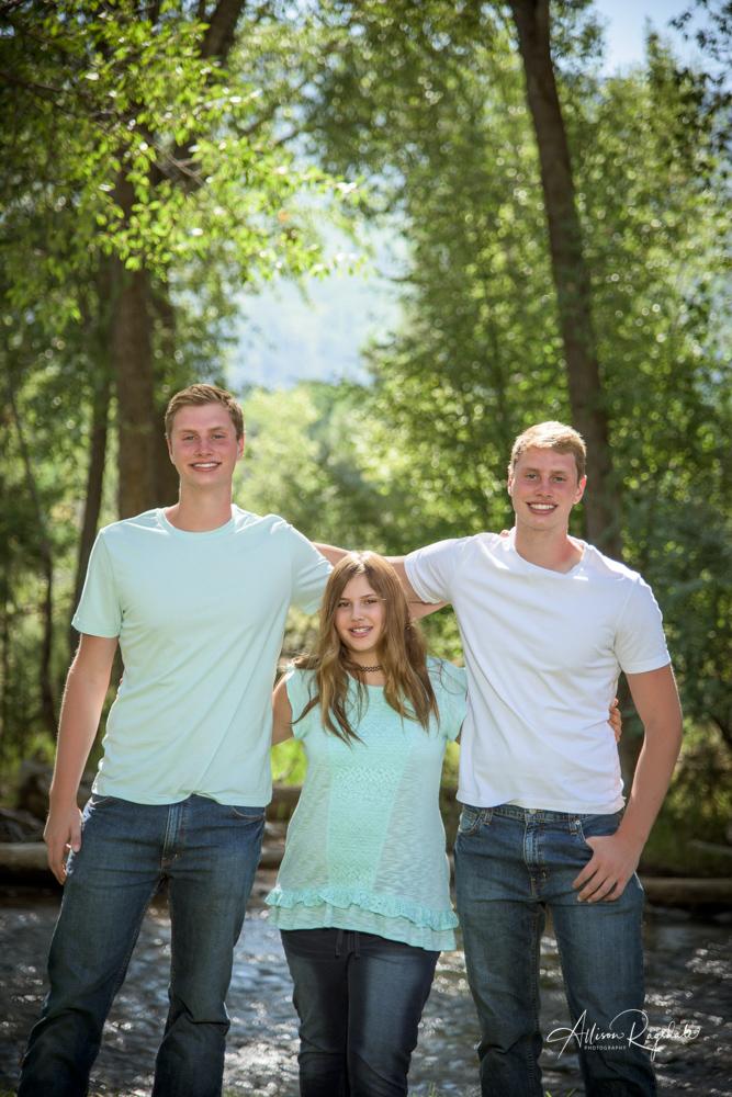 Allison Ragsdale outdoor family portraits in Durango Colorado