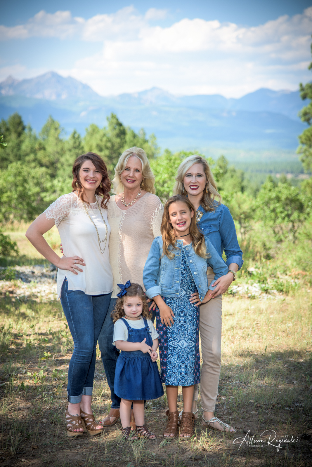 professional family portraits in Durango Colorado  by Allison Ragsdale Photography