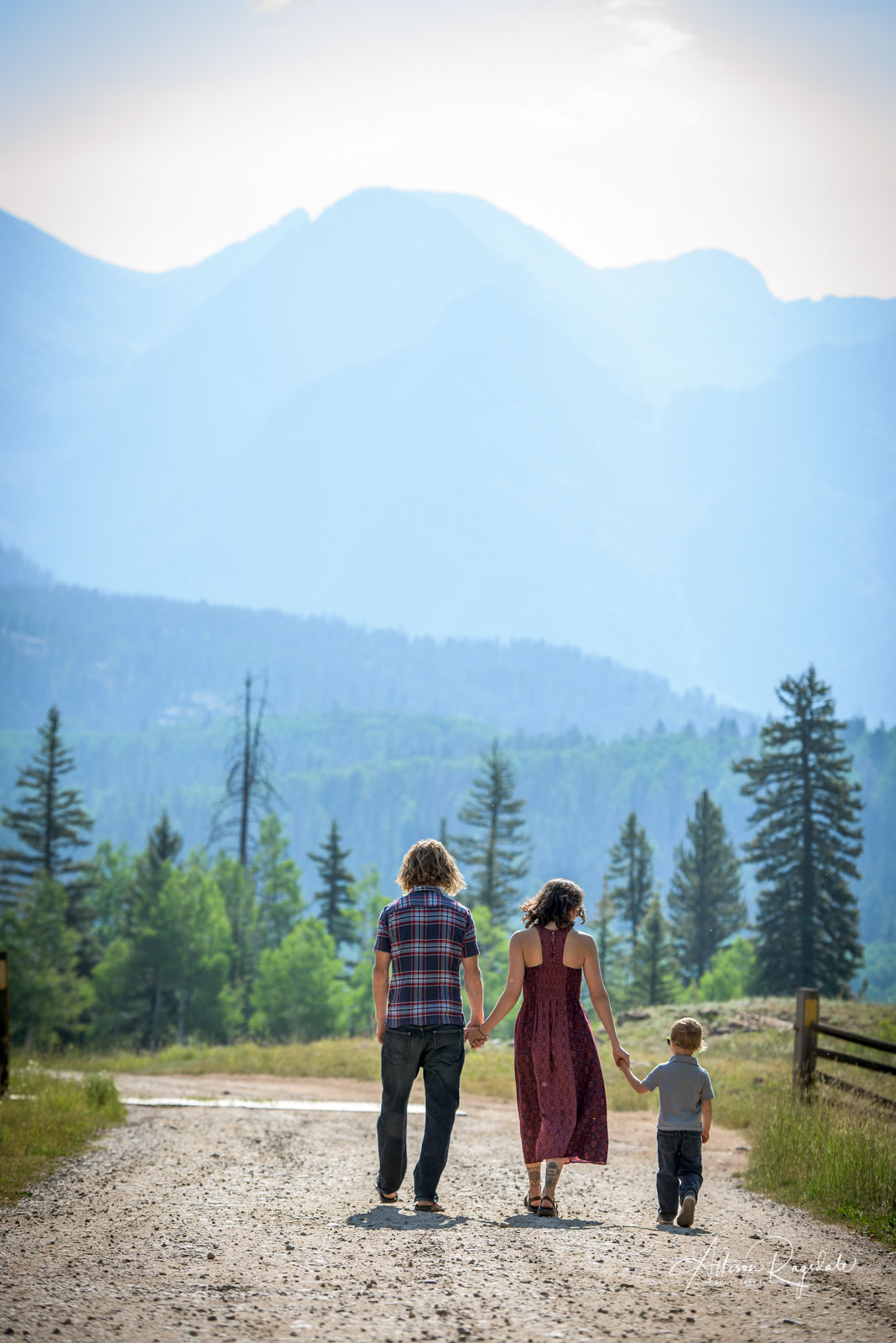 beautiful and unique family portraits in Durango Colorado by Allison Ragsdale Photography