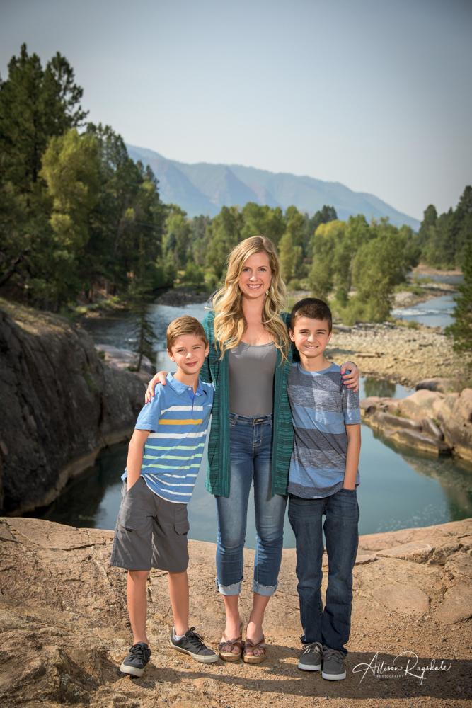 outdoor family portraits in Colorado