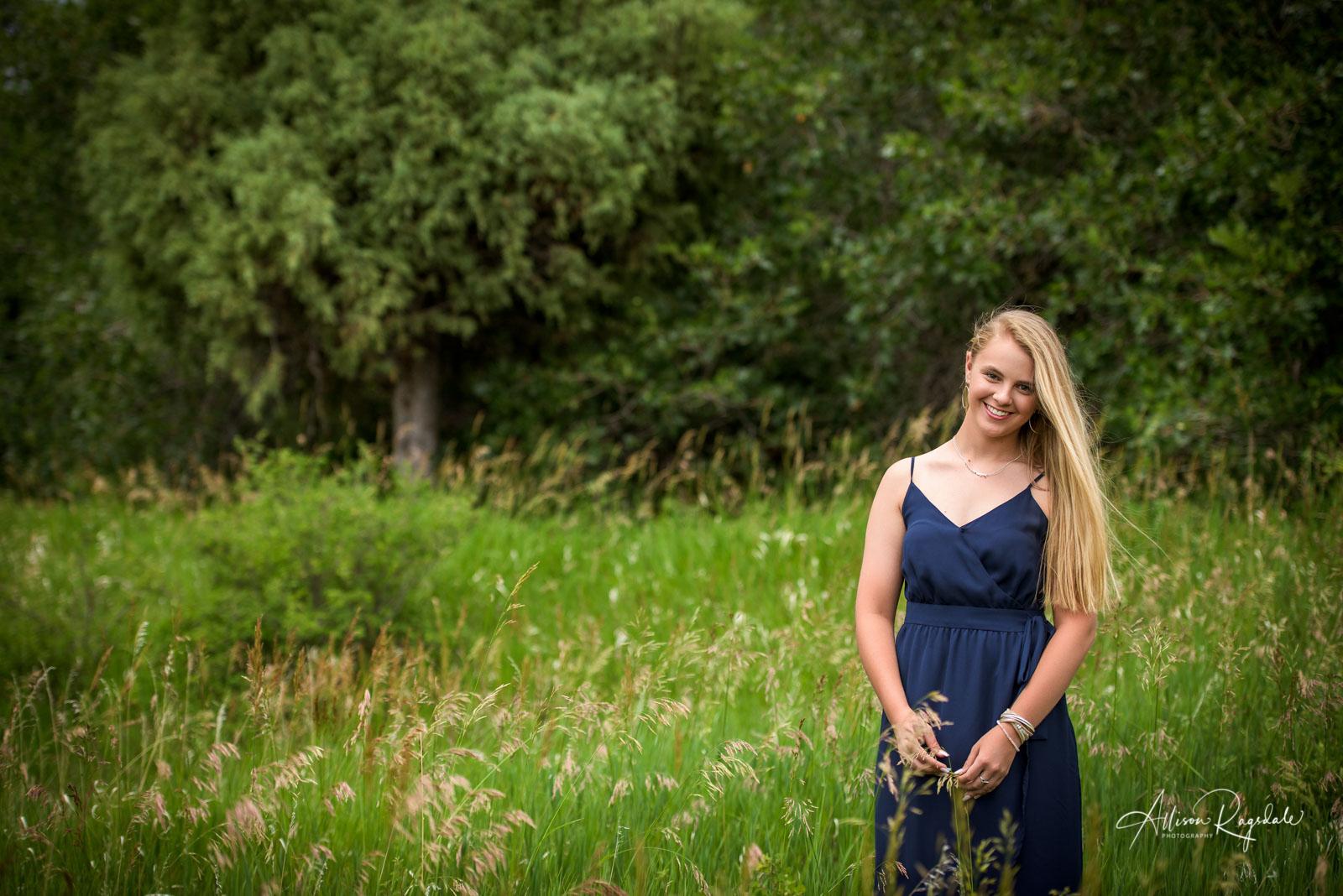 outdoor senior portraits in Durango Colorado by Allison Ragsdale Photography