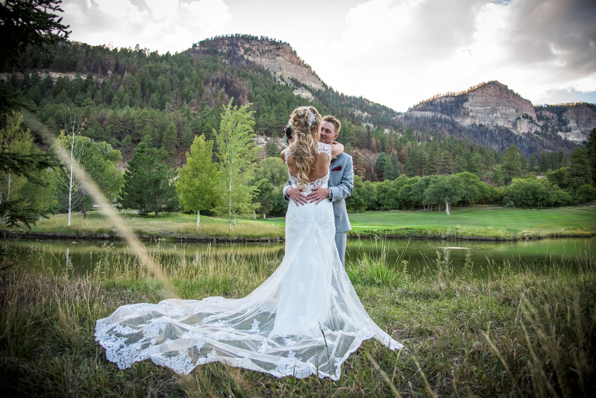 Jessie & Ryan's Glacier Club Valley Clubhouse Durango Colorado Wedding