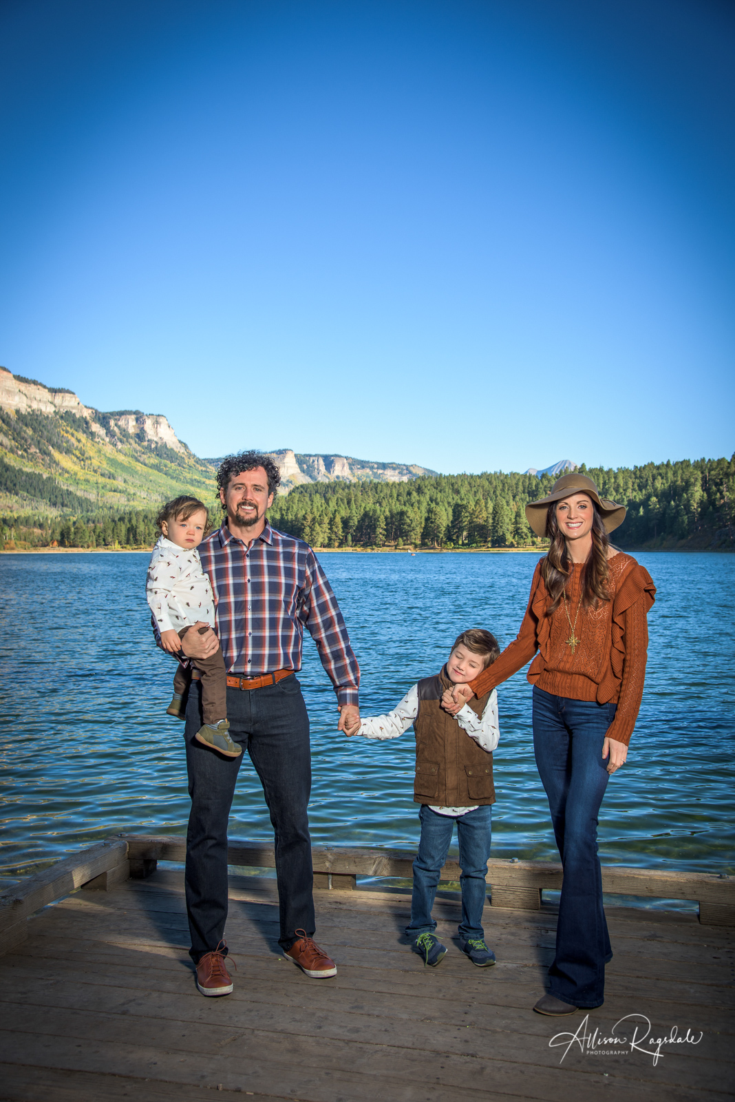 outdoor family pictures in Durango Colorado