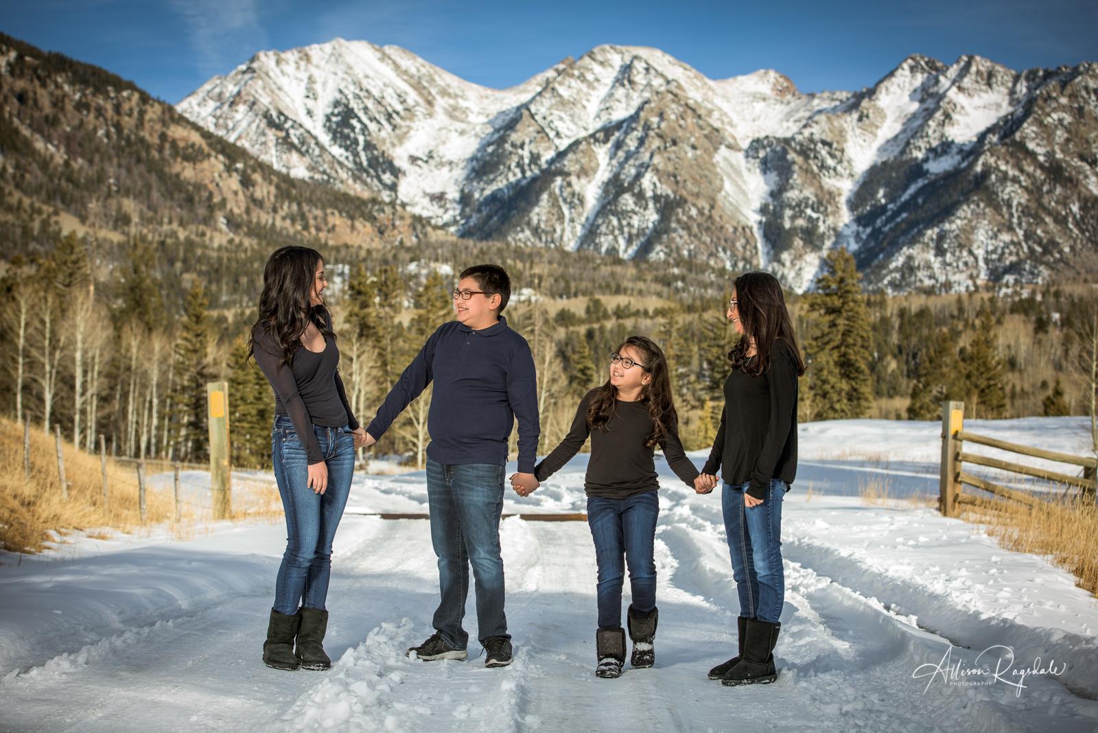 winter family pictures in Durango Colorado