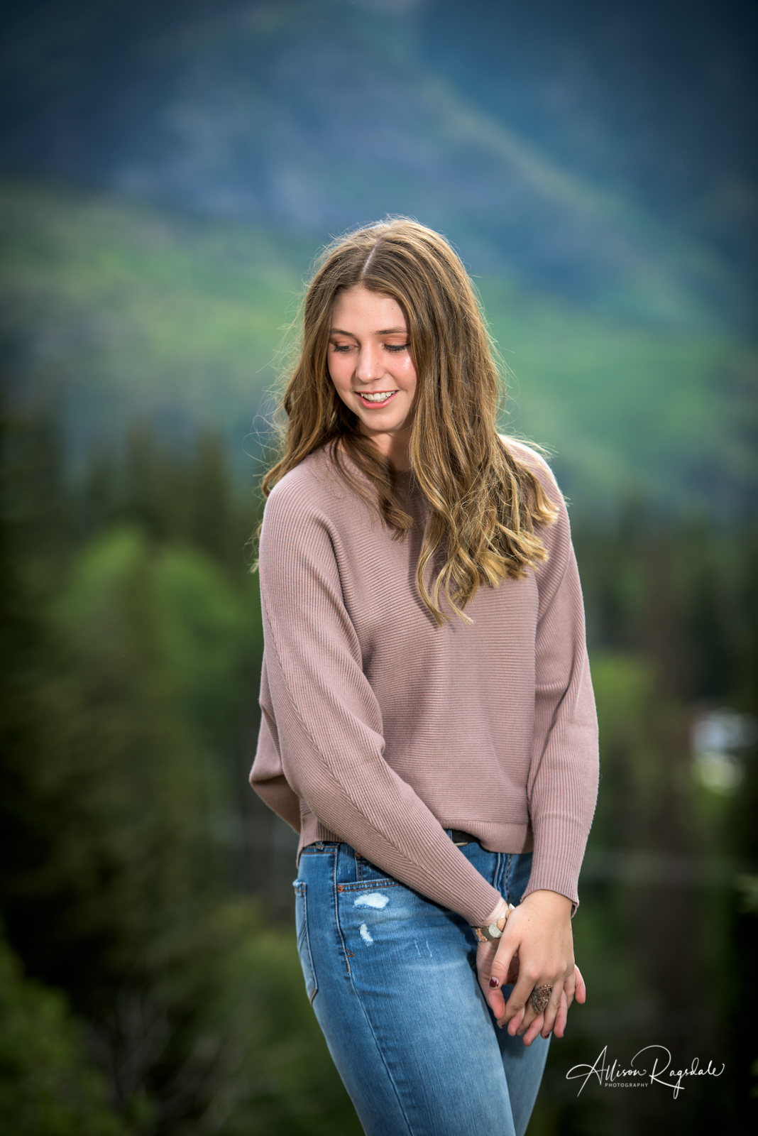 outdoor senior portraits for girls in Colorado