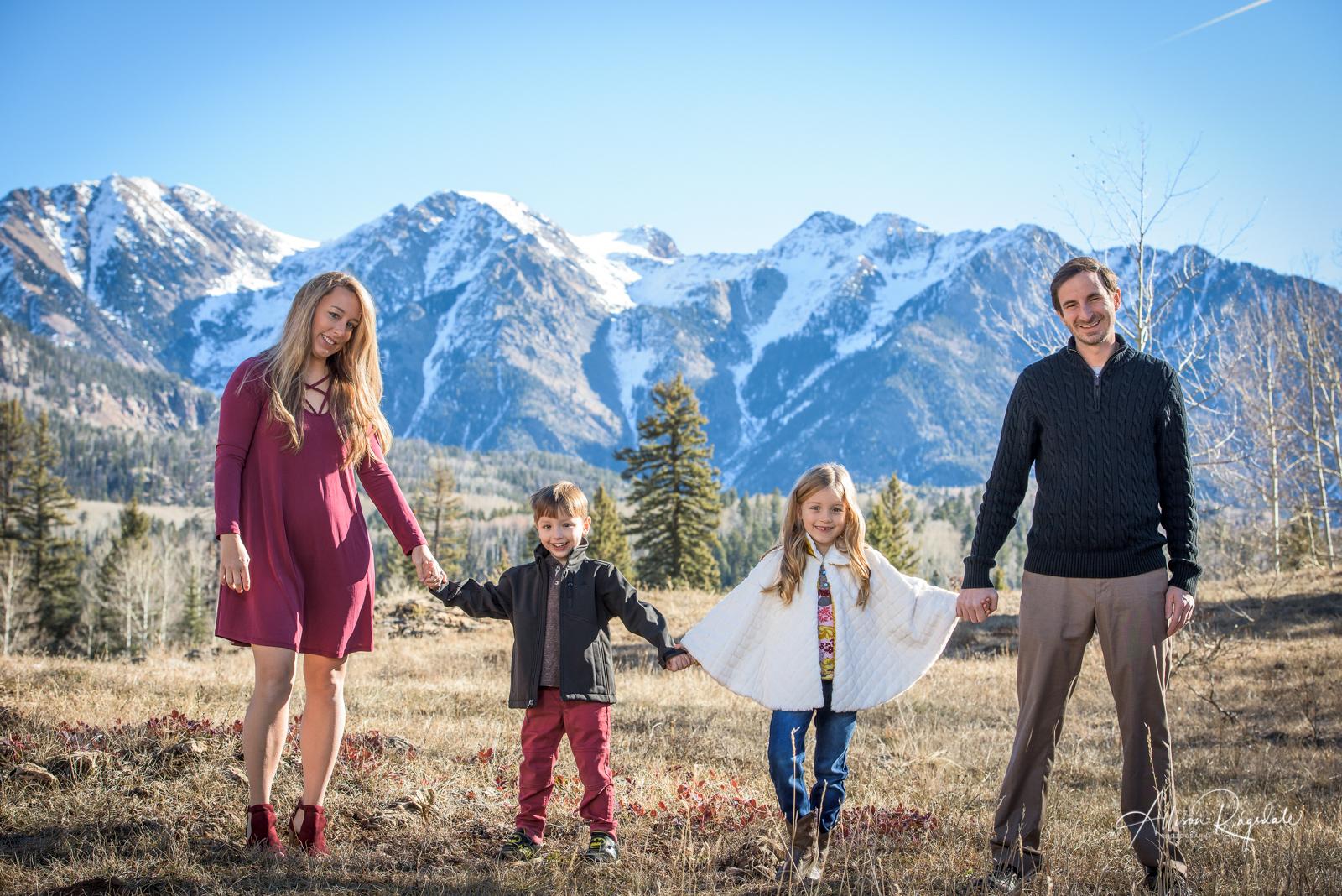 outdoor family portraits in Durango Colorado