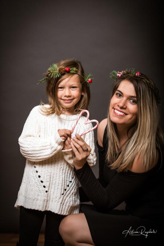 cute christmas family photoshoot ideas