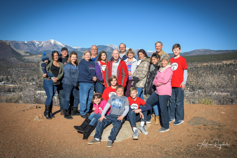 big family portraits outdoors