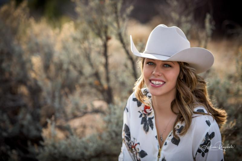 cowgirl senior portraits