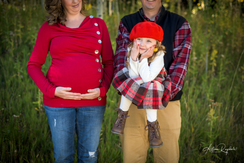 funny family and maternity portraits