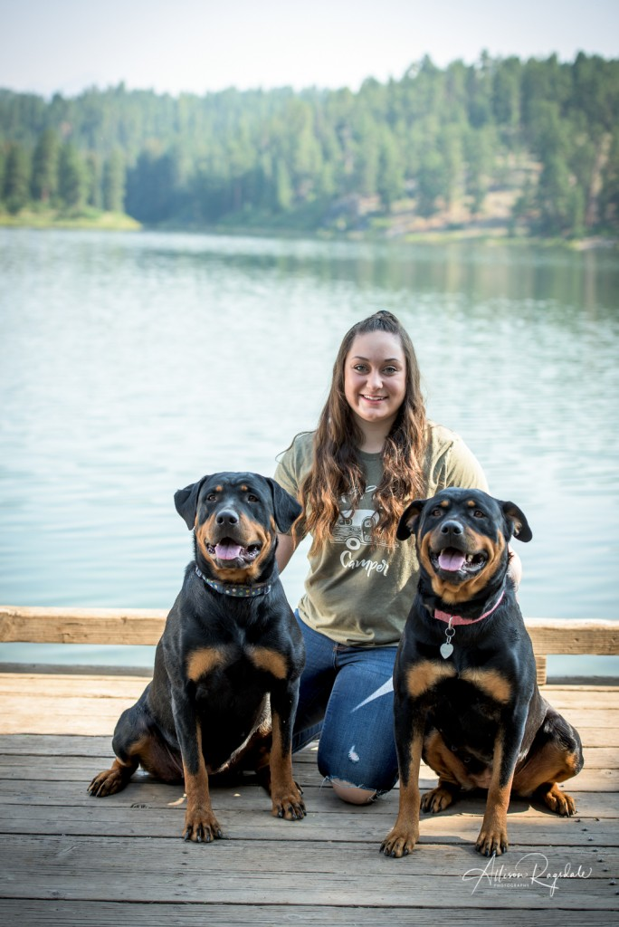 senior portraits with dogs