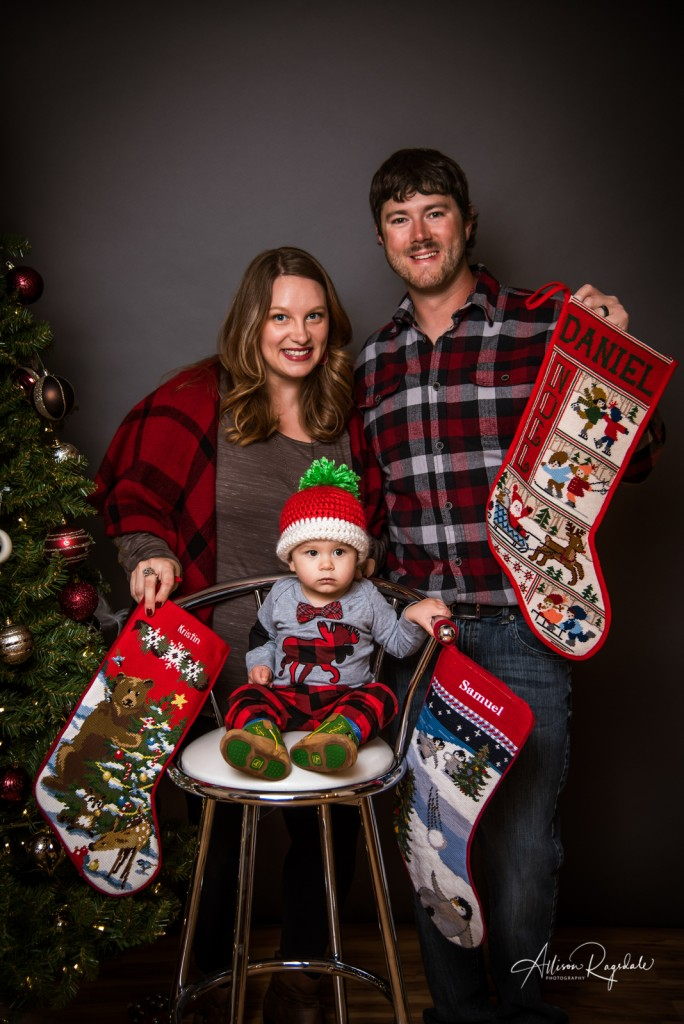 christmas themed family portraits