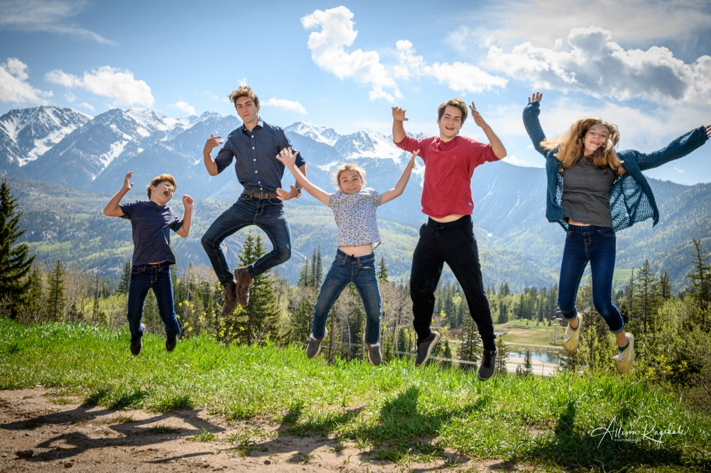 Sibling photography in the mountains of Durango