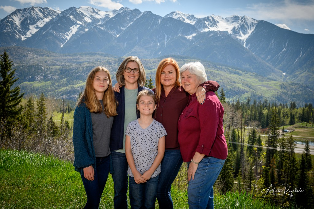 Family Portraits of the Demek family in Durango, CO