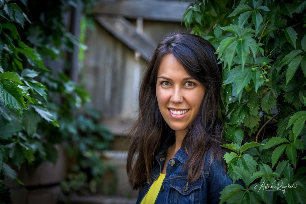 Headshots outdoors, Jennifer Clark's Headshots