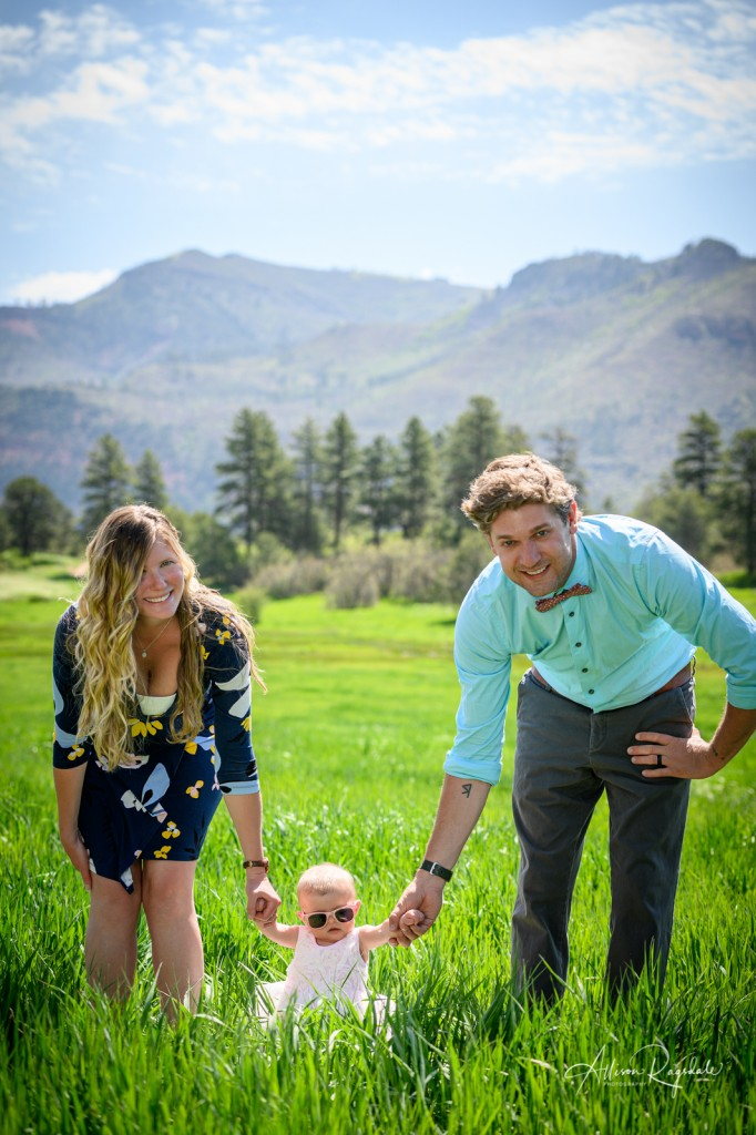 Adorable family pictures with the Mace Family in Durango mountains