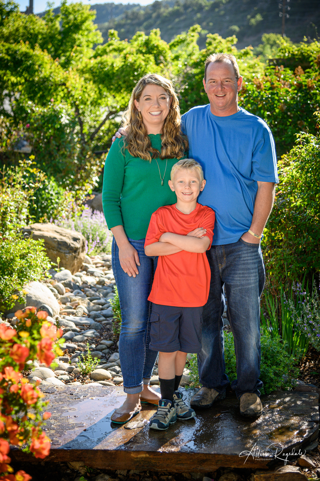 professional outdoor summer family portraits