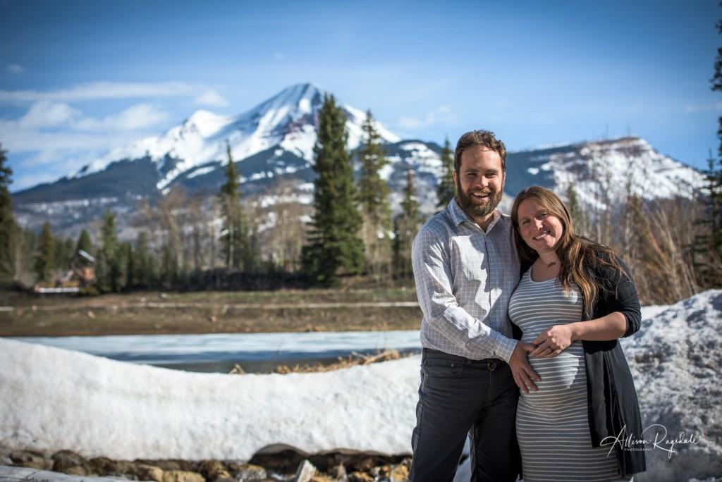 Maternity photos in Durango with the Ryan Family