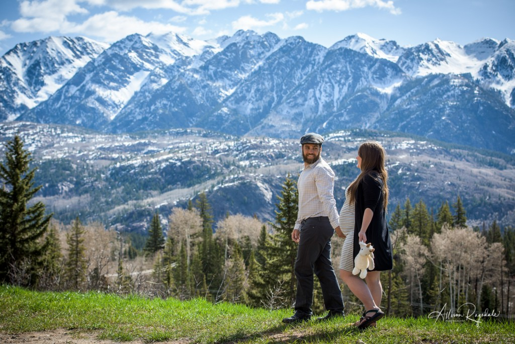 Mountain maternity pictures, The Ryan Family