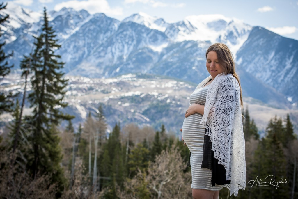 Pregnant mom in the mountains, maternity photography with the Ryan Family