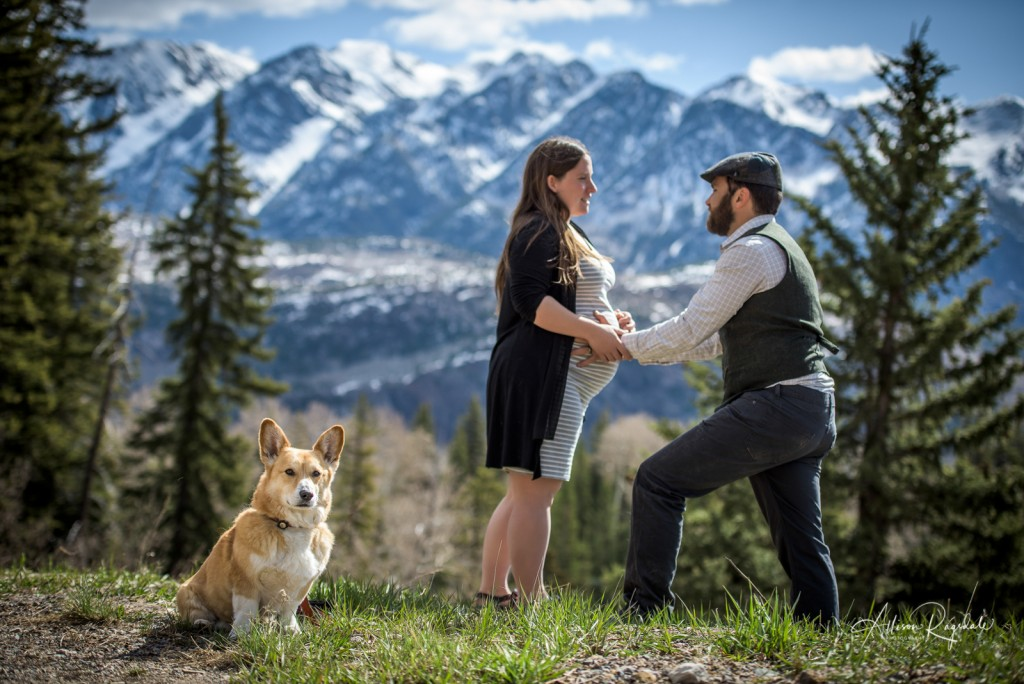Funny dog in maternity pictures, professional maternity photography, the Ryan Family