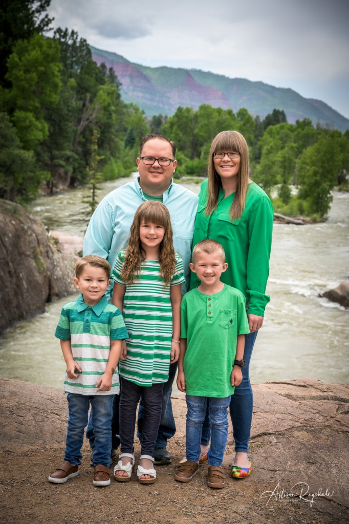 Adorable family pictures in mountains, the Nygren Family