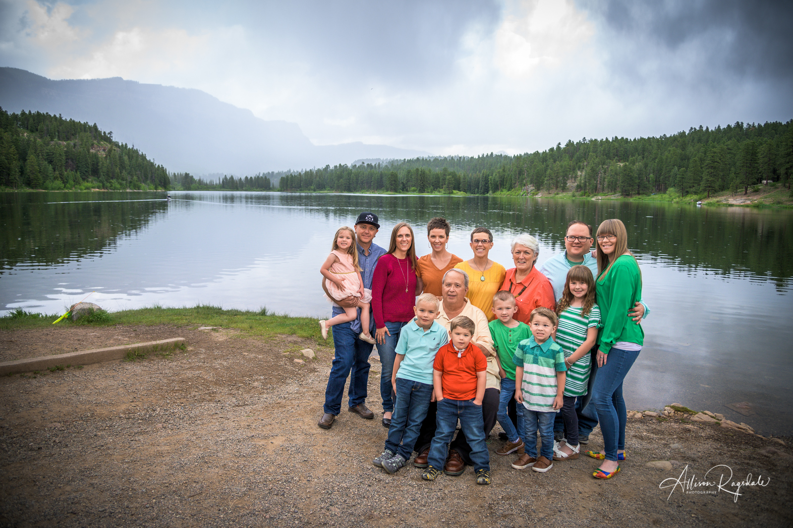 Outdoor landscape family photos, the Nygren Family