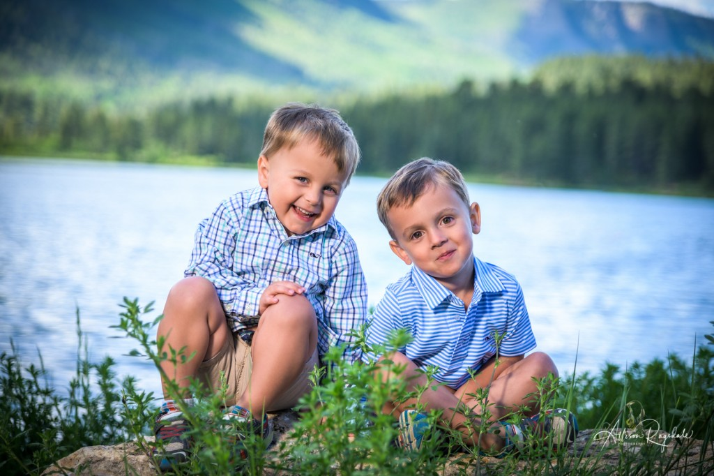 Adorable sibling photos by lake, The Nadal Family