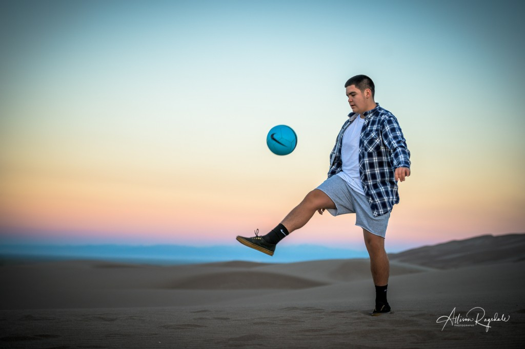 Beautiful senior pictures at great sand dunes