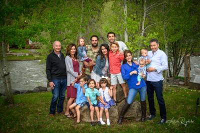 Extended family pictures in Colorado