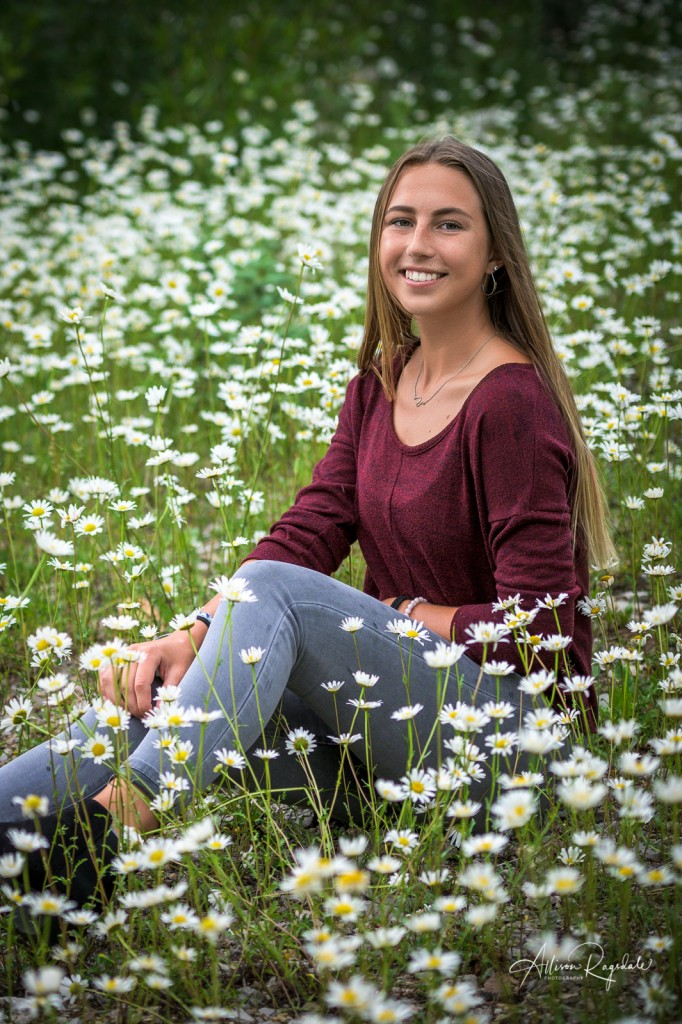Pretty senior pictures with flowers