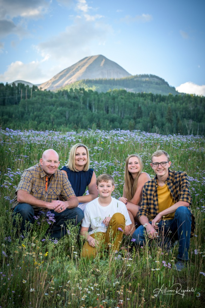 Stunning family photos in the mountains