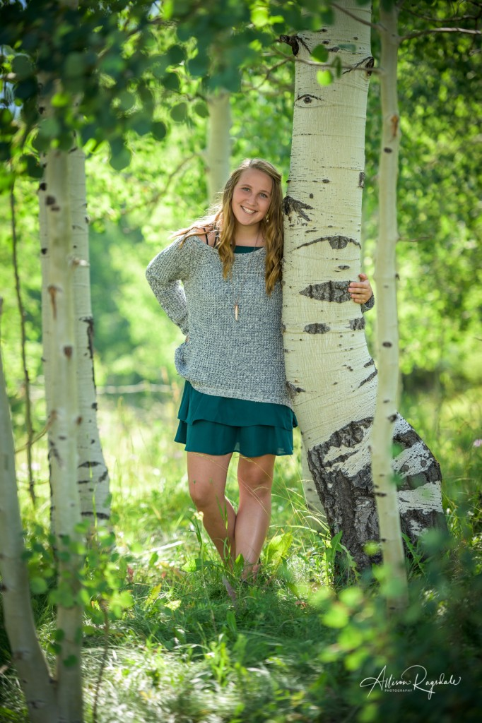 Pretty senior pictures with aspen trees
