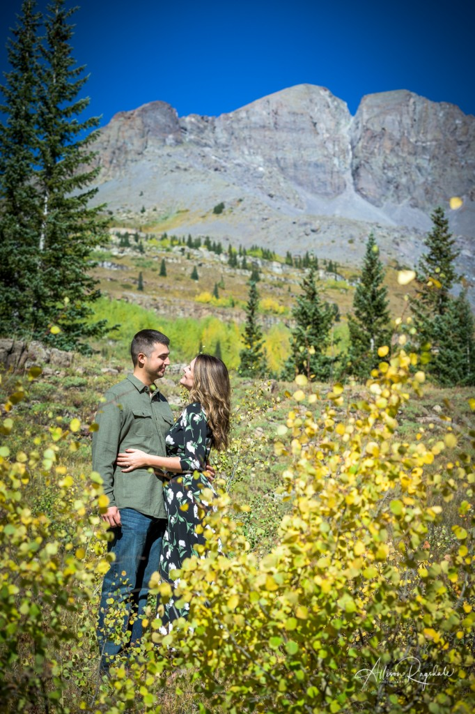 Pretty engagement photos in the mountains