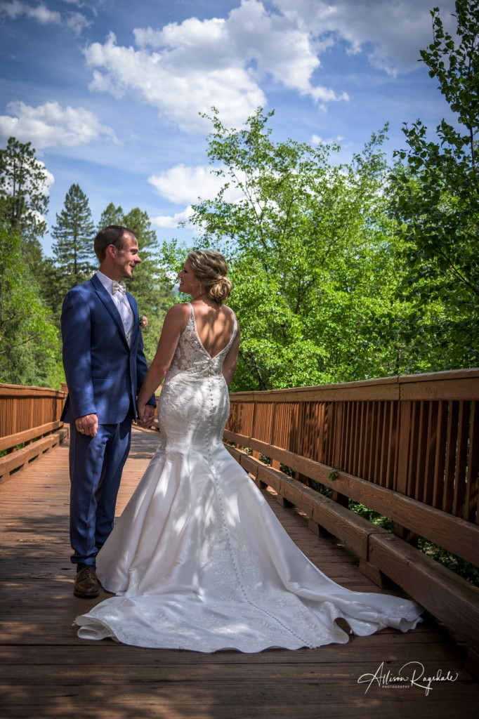 Pretty wedding pictures in Colorado